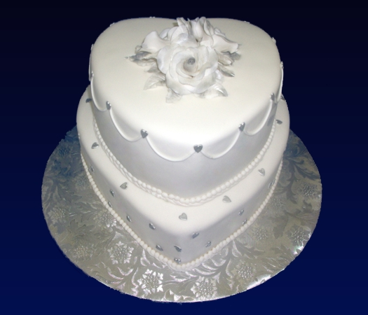 Confectionary Designs: A  Simple  Wedding Cake
