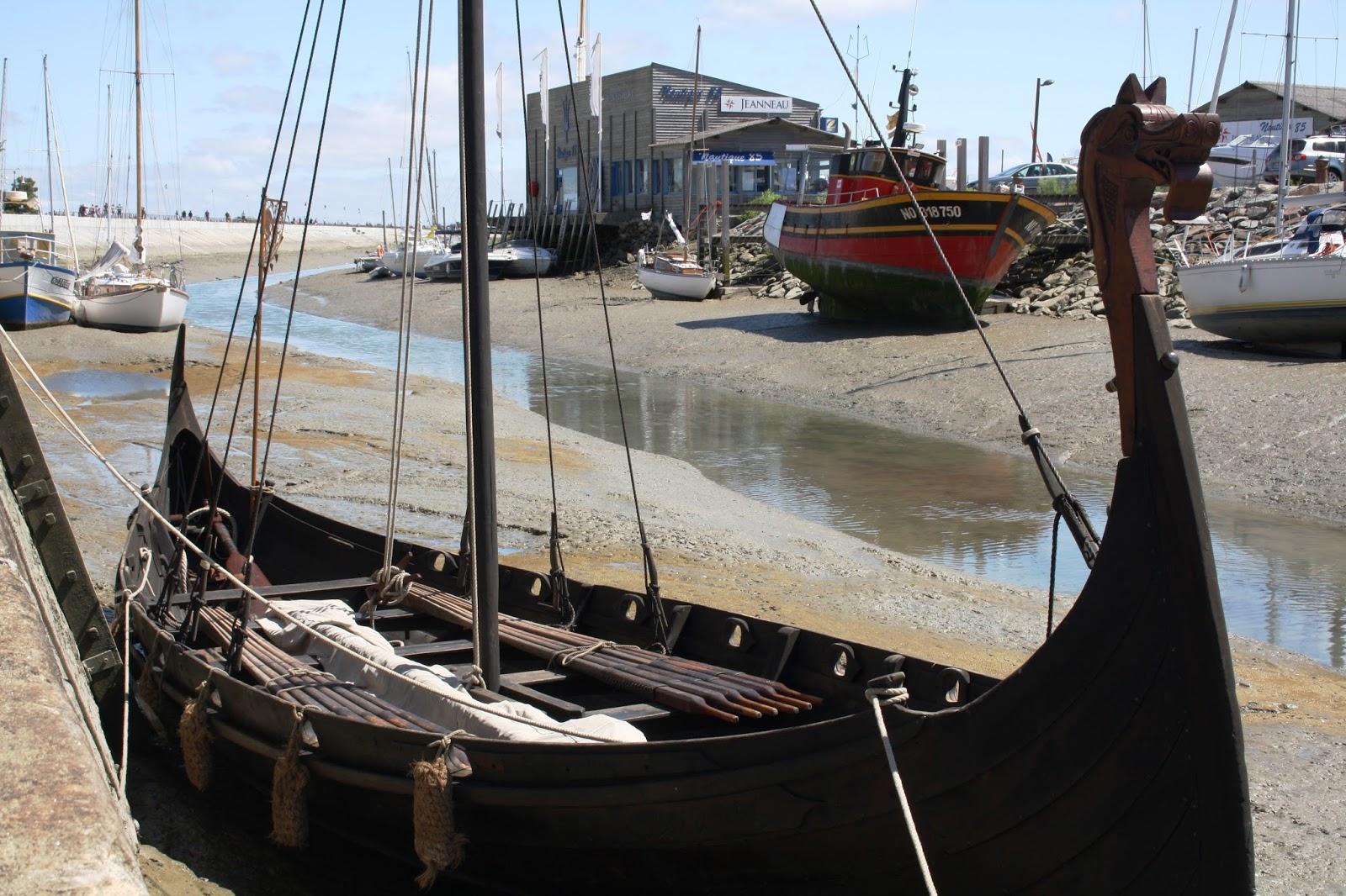 viking ship replica in noirmoutier france un drakkar dans le