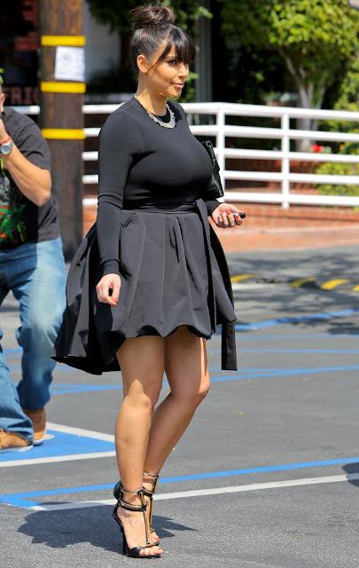 Kim Kardashin shopping in hollywood