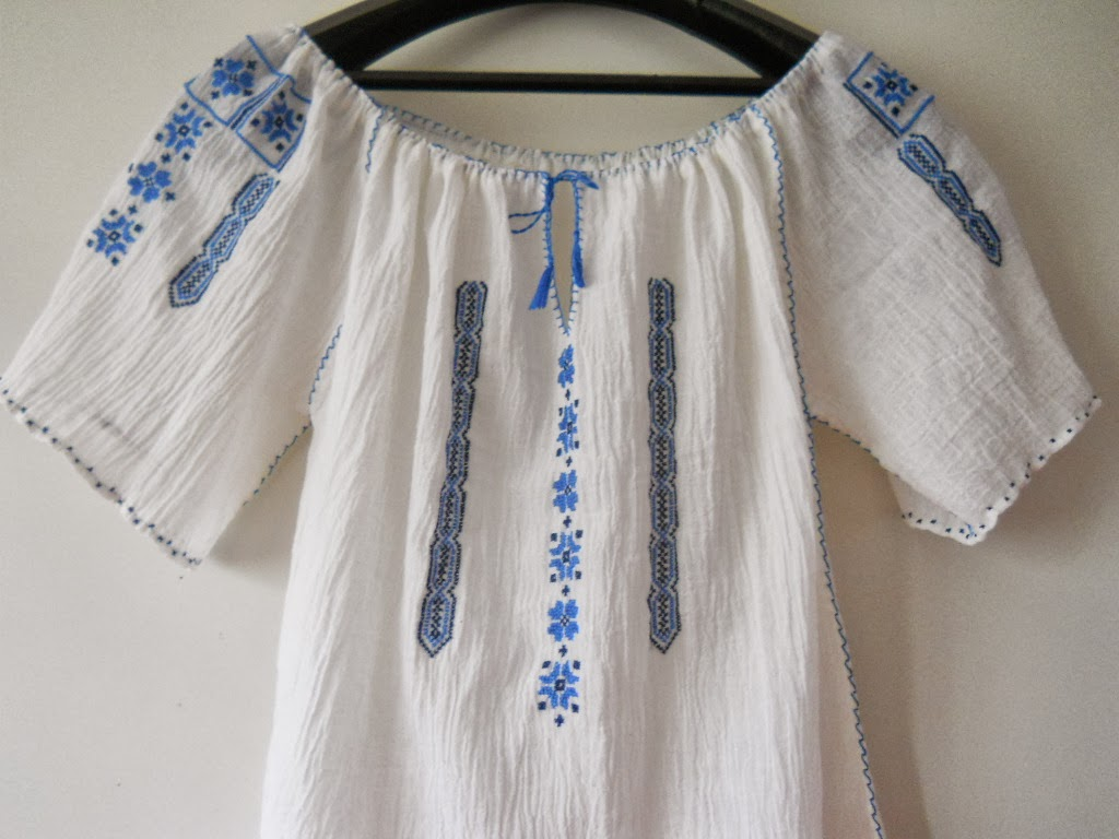 Traditional blouse