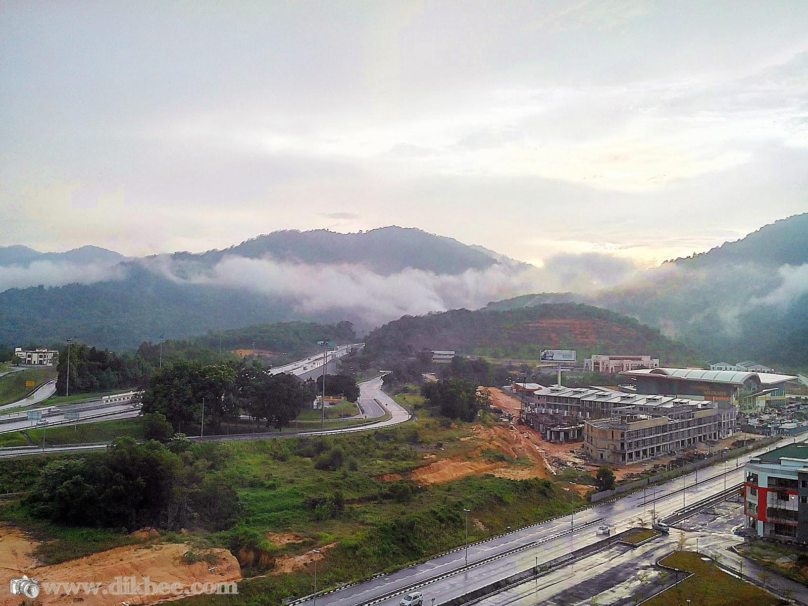 Pemandangan Luar Dari Hotel Casuarina @ Meru