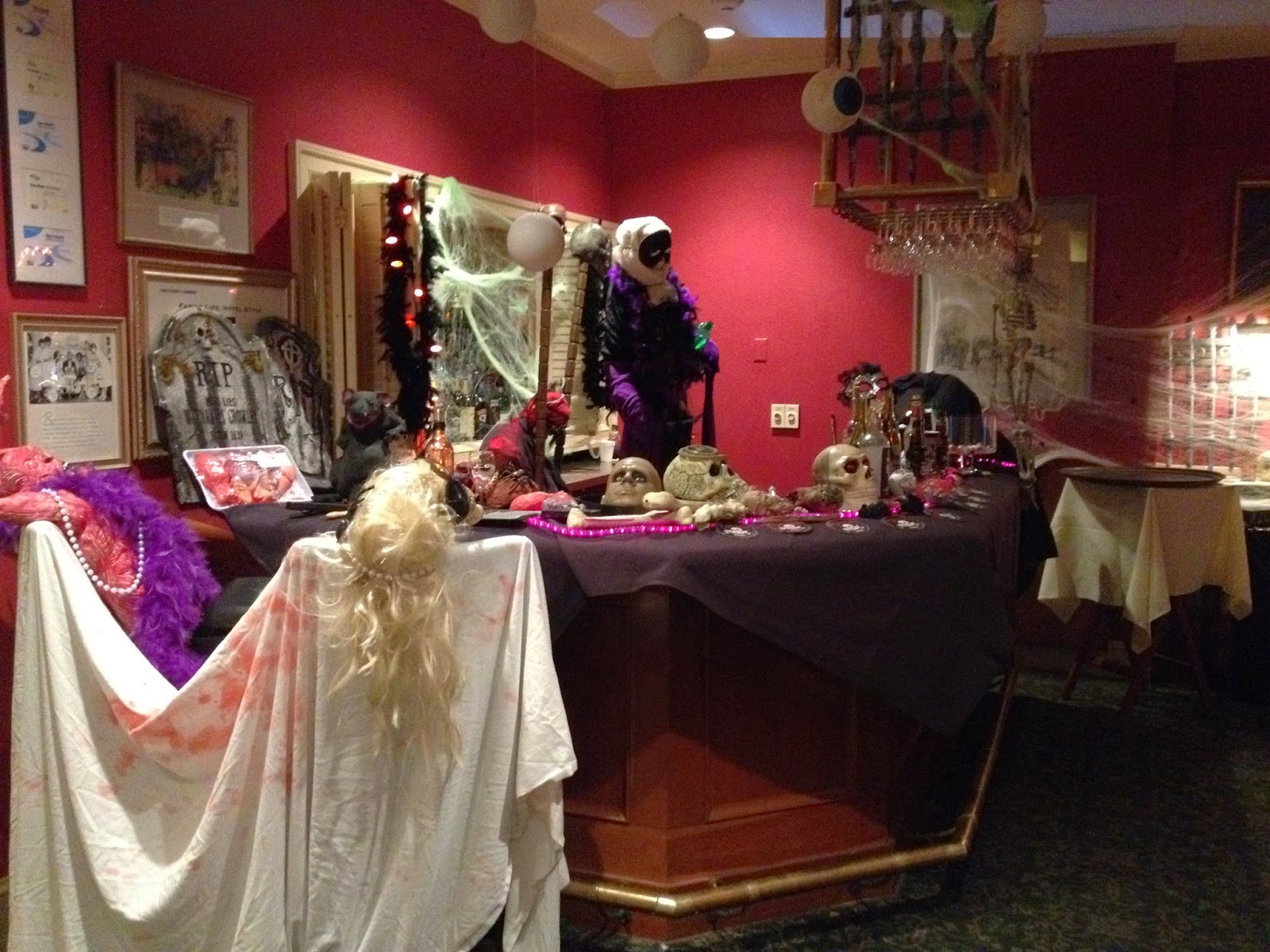 Hawthorne Hotel: Best Decorated Room at Our Annual Halloween Contest