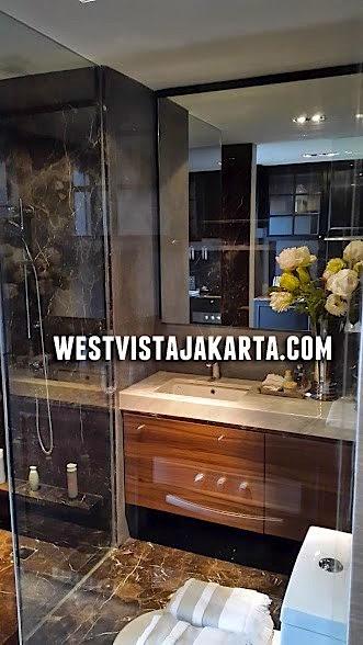 gambar foto bathroom apartemen west vista jakarta