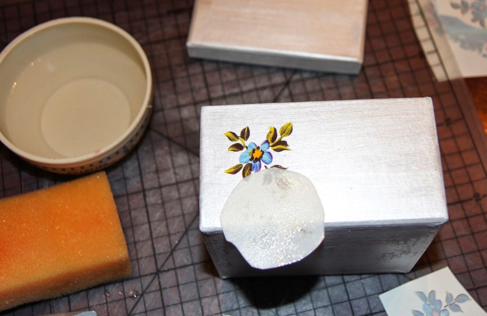 Декор коробок акриловыми красками
