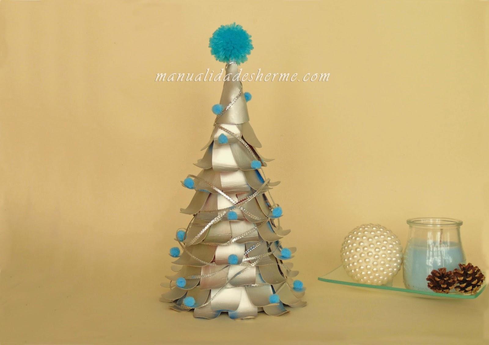 Manualidades herme hacer rbol de navidad con cartones de for Arbol de navidad con cajas de carton