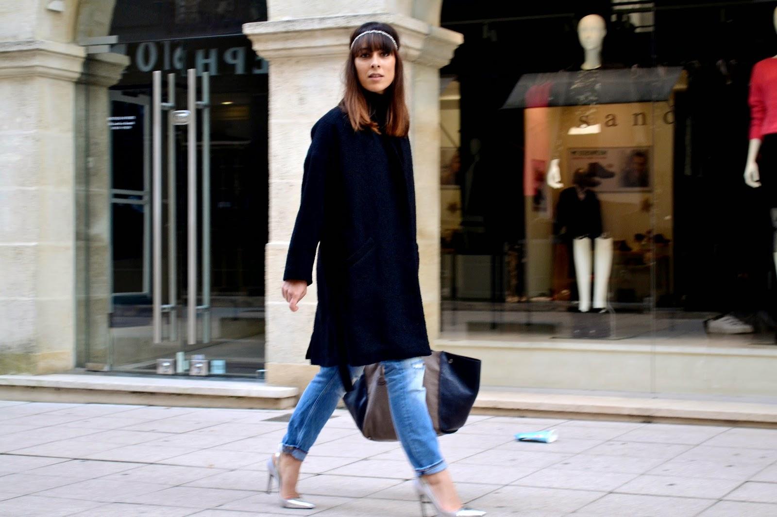 L'article avec un head-band et mon manteau-peignoir in the city ..