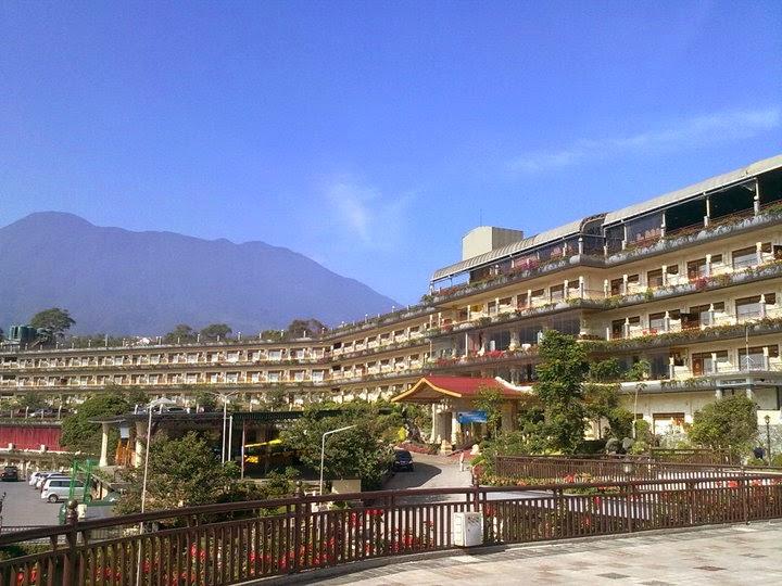 Wow Ada Pantai Di Hotel Seruni Puncak Bogor