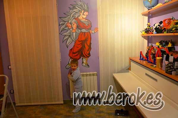 Decoración de graffiti ss3 con pelo gris en habitación infantil