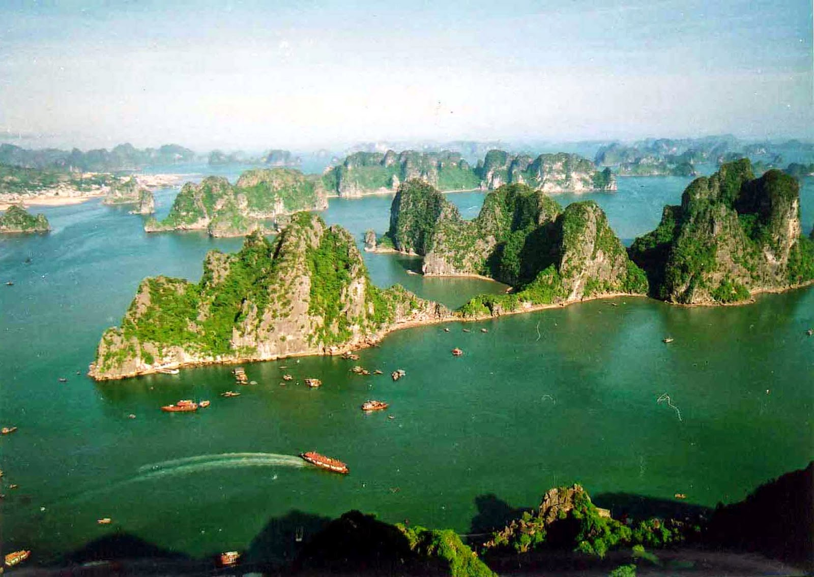 describe ha long bay Book your tickets online for the top things to do in halong bay, vietnam on tripadvisor: see 42,357 traveler reviews and photos of halong bay tourist attractions.