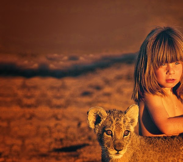 Girl+Growing+Up+Alongside+Wild+Animals+In+Africa_14