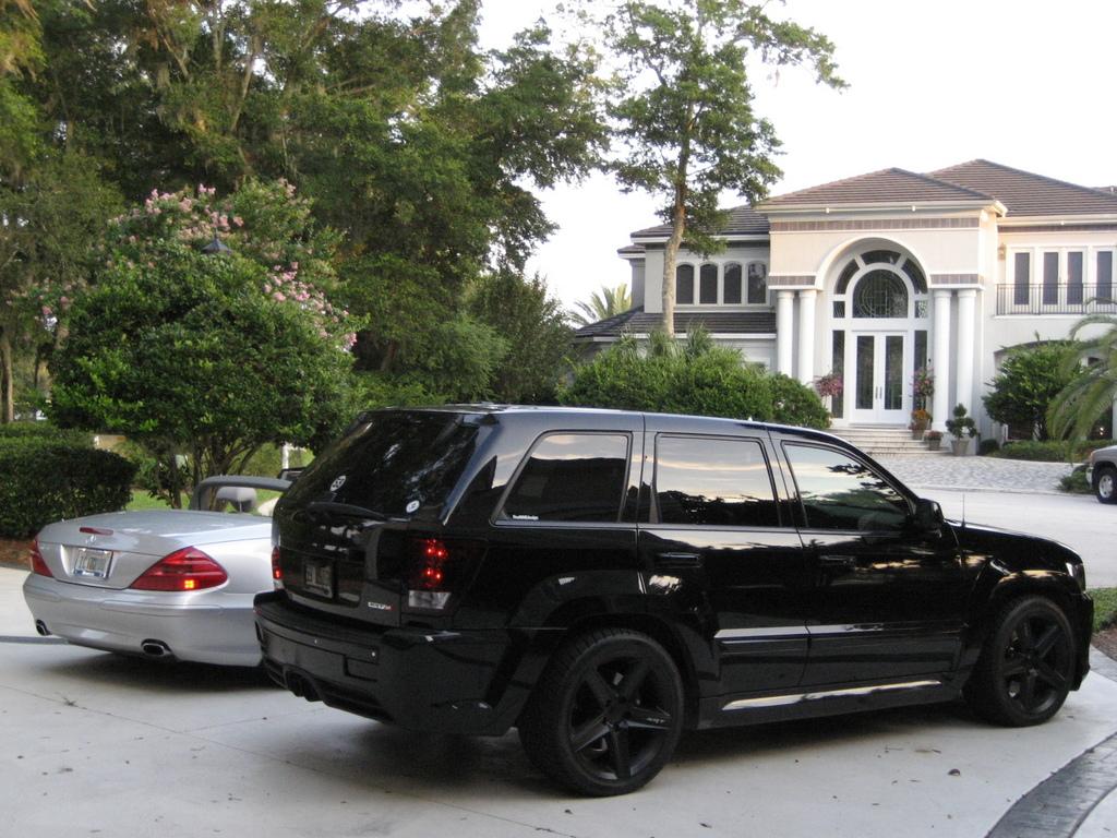 http://4.bp.blogspot.com/-KI2405ZrQt8/Ttxs4lsna5I/AAAAAAAAFKQ/9ELXXrQdls4/s1600/jeep%2Bsrt8%2B%25283%2529.jpeg