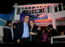 JBC producer Luis Grandon Toledo with fan welcome Quantum Of Solace in Chile