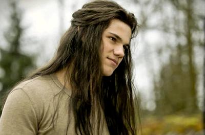 Model Rambut Panjang Pria yang Populer