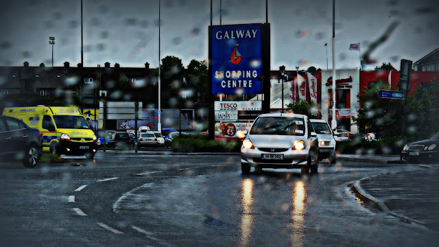 image from the Galway shopping center sign roundabout