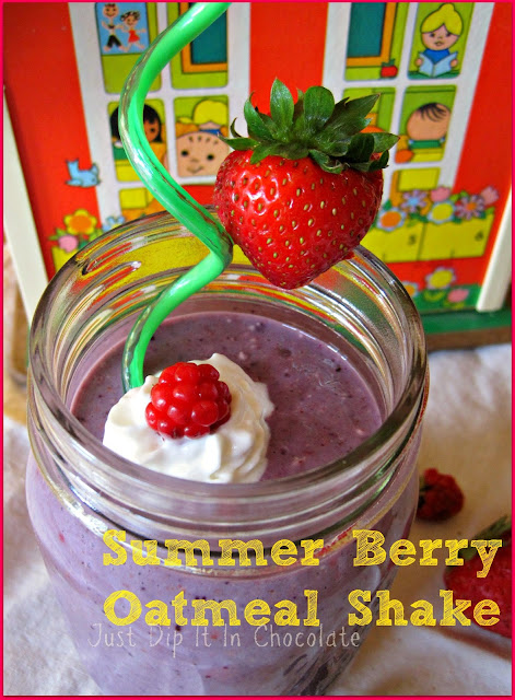 Summer Berry Oatmeal Shake, a Delicious and Nutritious  On The Go breakfast shake for those mornings when we need to pack the kids and go!
