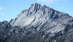 Daftar nama gunung tertinggi, paling tinggi & terkenal sulit ditaklukkan di indonesia