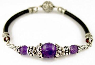 احدث الاكسسوارات والمجوهرات 2011 blue-stone-wide-bracelet-2011.jpg