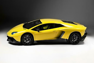 Lamborghini shows Aventador LP720-4