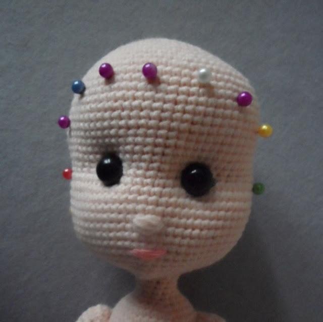 Как связать крючком шубку для куклы