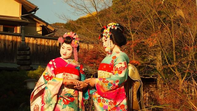 Penampilan para geisha yang dapat kita jumpai di Arashiyama, Kyoto.