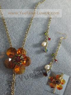 Flower_Y_necklace_details