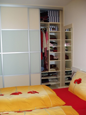 Bedroom Closet Designs on Closet Doors For Bedrooms   Home Interior Ideas