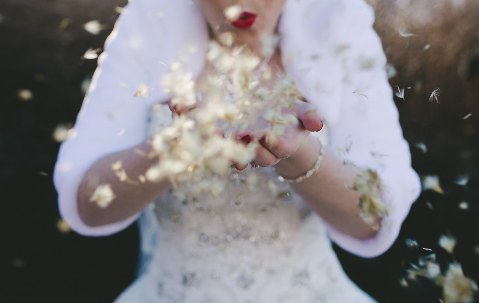 Winter bridal photo // Bethany Carlson Photography // Take the Cake Event Planning