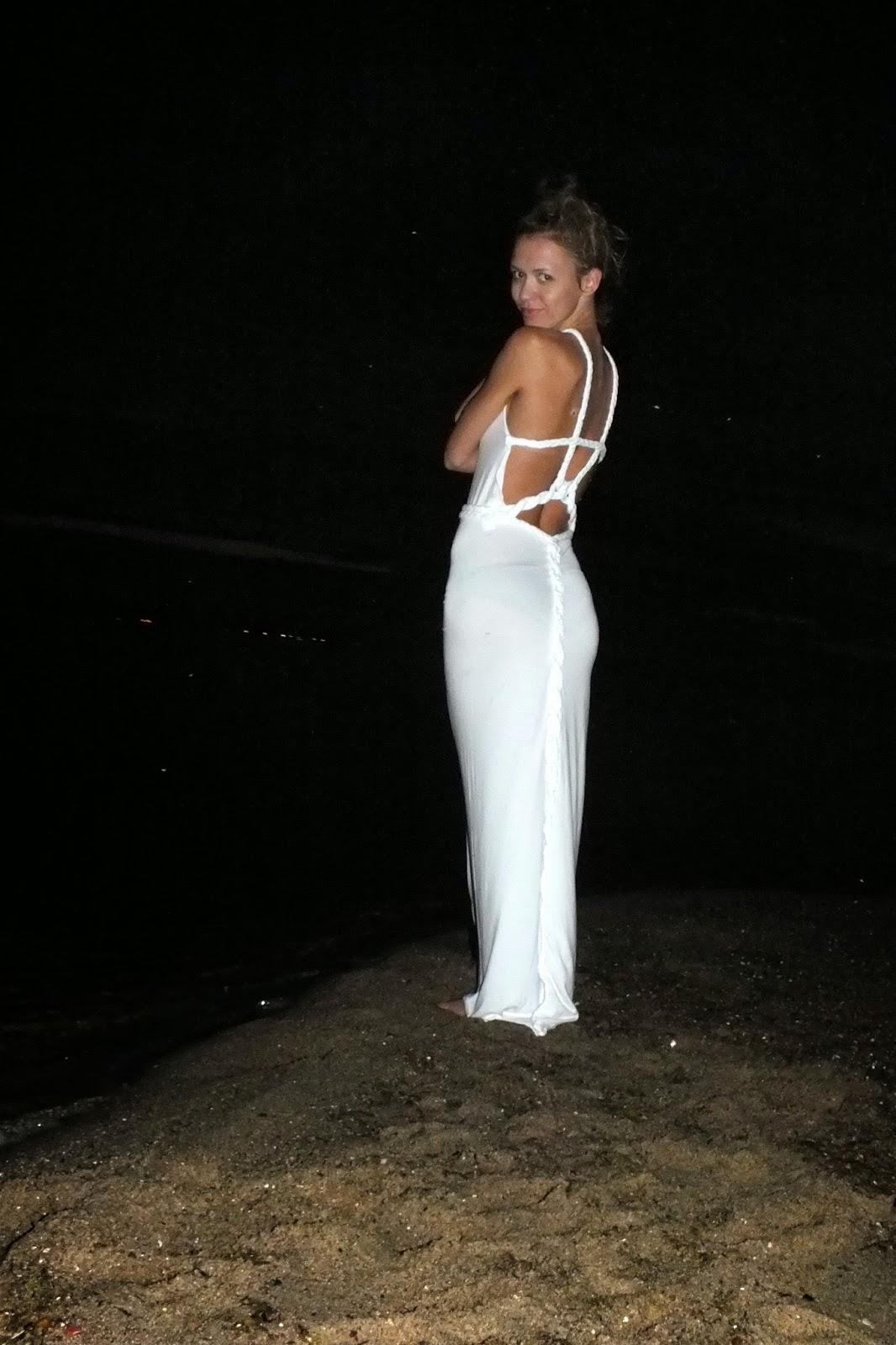 biała długa suknia na zamówienie