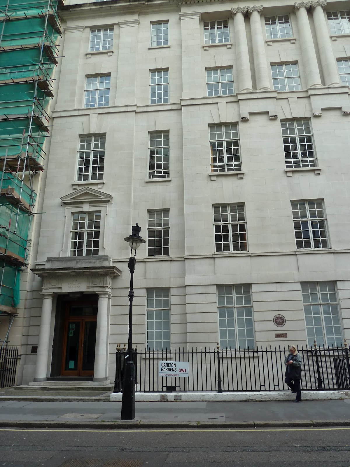 Number one london walking st james 39 s part one for 18 carlton house terrace in st james
