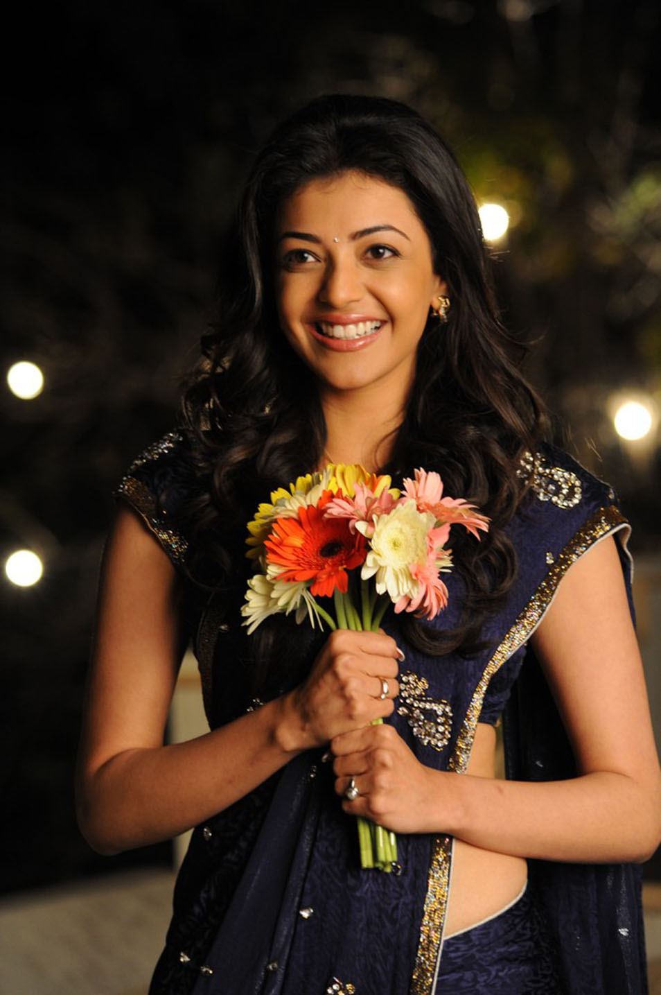 hot-sexy-indian-actress-desi-filmstar-movie-celebrity-Kajal-Agarwal
