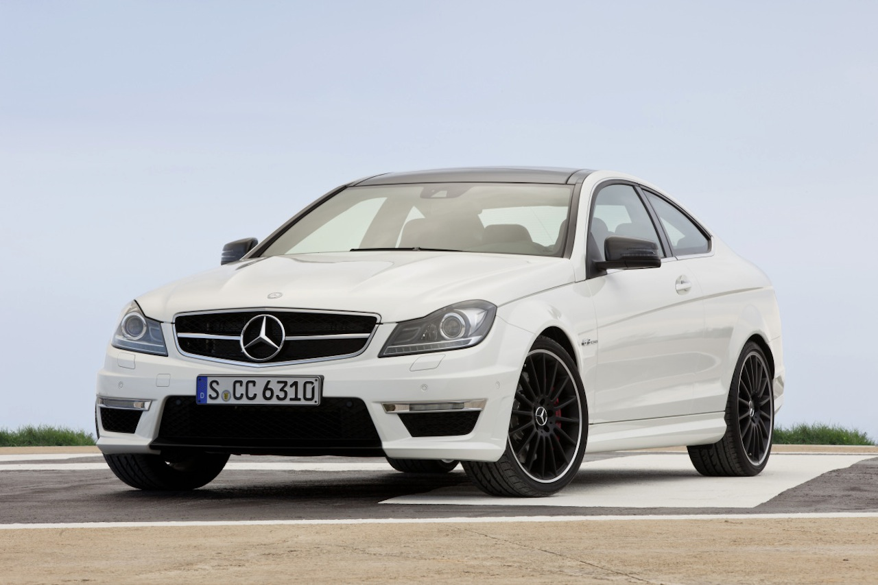 http://4.bp.blogspot.com/-KKBAjqchuS4/TrEan92vTnI/AAAAAAAAFbA/1Xra-bkmhzE/s1600/Mercedes+C63+AMG+Coupe+1.jpg