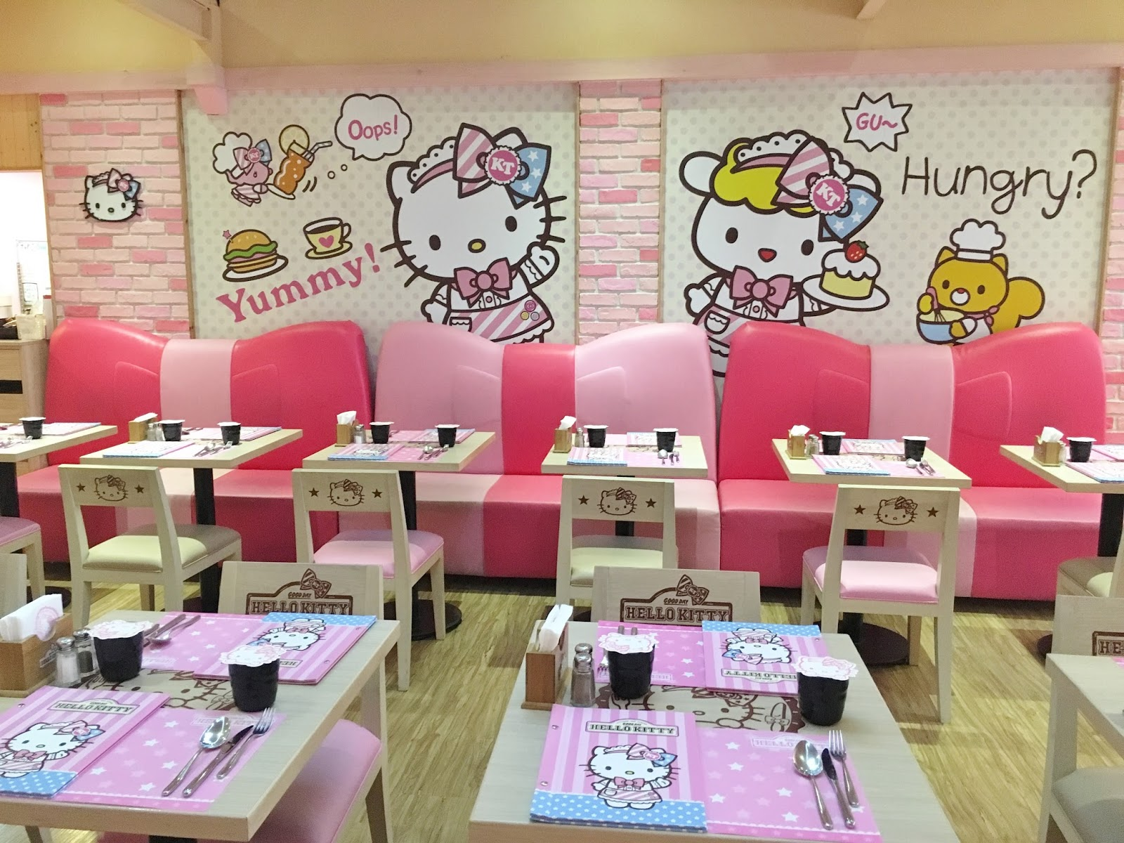 vanny's telling everything.: themed cafes in taipei - hello kitty