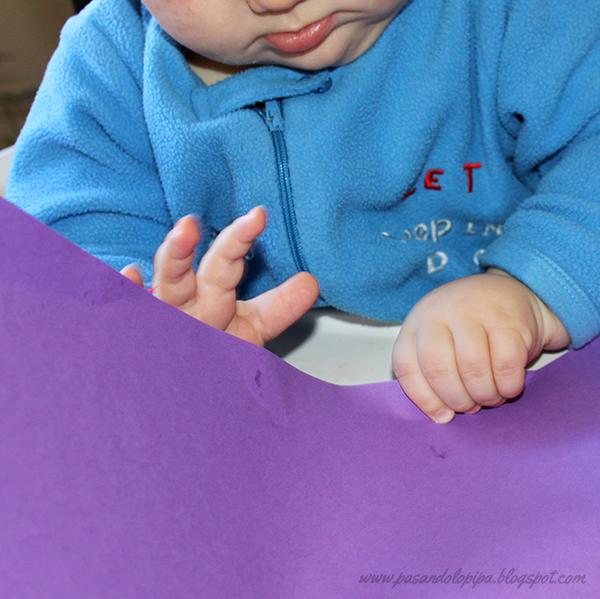 pasandolopipa | LittleDani jugando con la cartulina