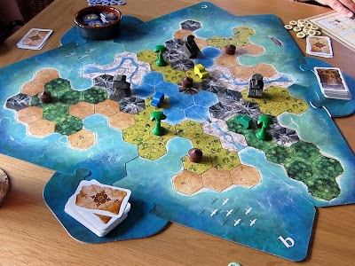 Tobago - The game board and components