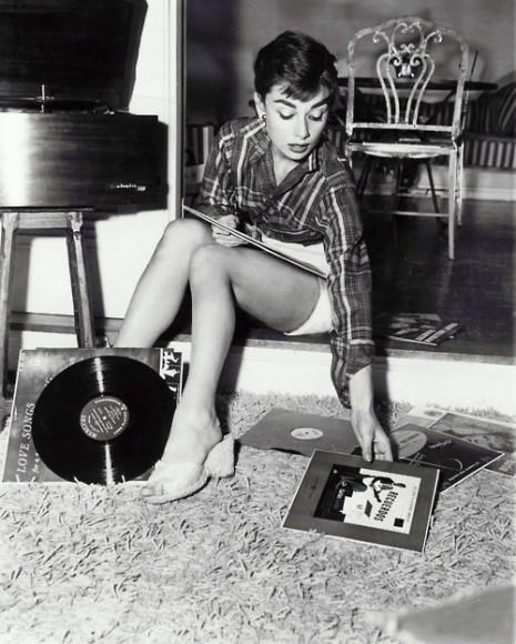 Livesour Sexy Audrey Hepburn