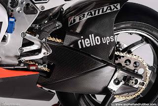 MotoGP-2013-Ducati-Desmosedici-GP13-MotoGP-Bike_4