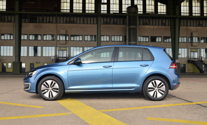 Volkswagen e-Golf side view
