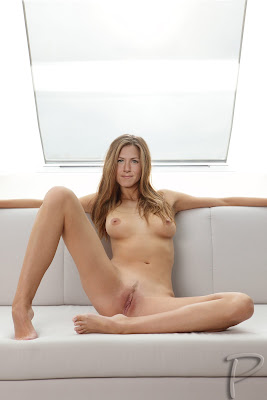 Jennifer Aniston Nude Showing her Pussy & Fucked Hard [Fake]