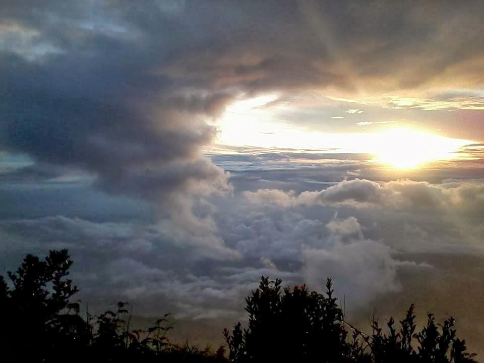 sunrise sabana,merbabu,musim hujan,santri dan alam
