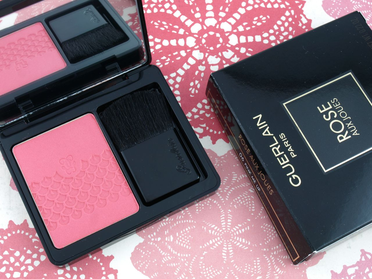 "Guerlain Fall 2015 Rose Aux Joues Tender Blush in ""06 Pink Me Up"": Review and Swatches"