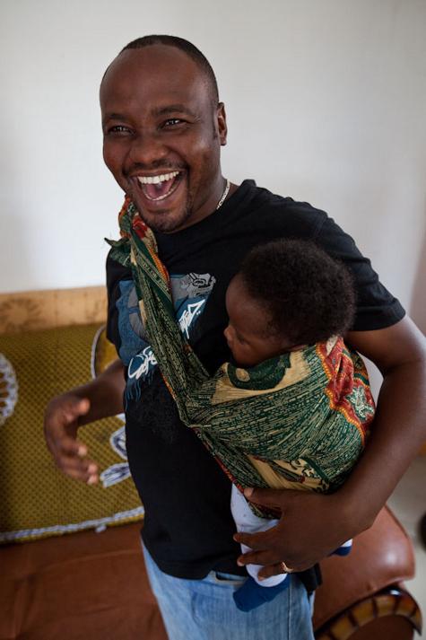 mama na mwana zulu ana make news. Black Bedroom Furniture Sets. Home Design Ideas