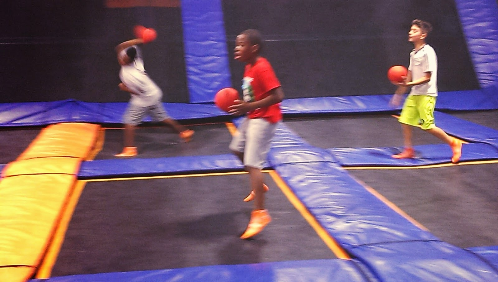 dodge%2Bball Sky Zone Van Nuys Review - Sky Zone Parties - Venues For Birthday Parties in Los Angeles