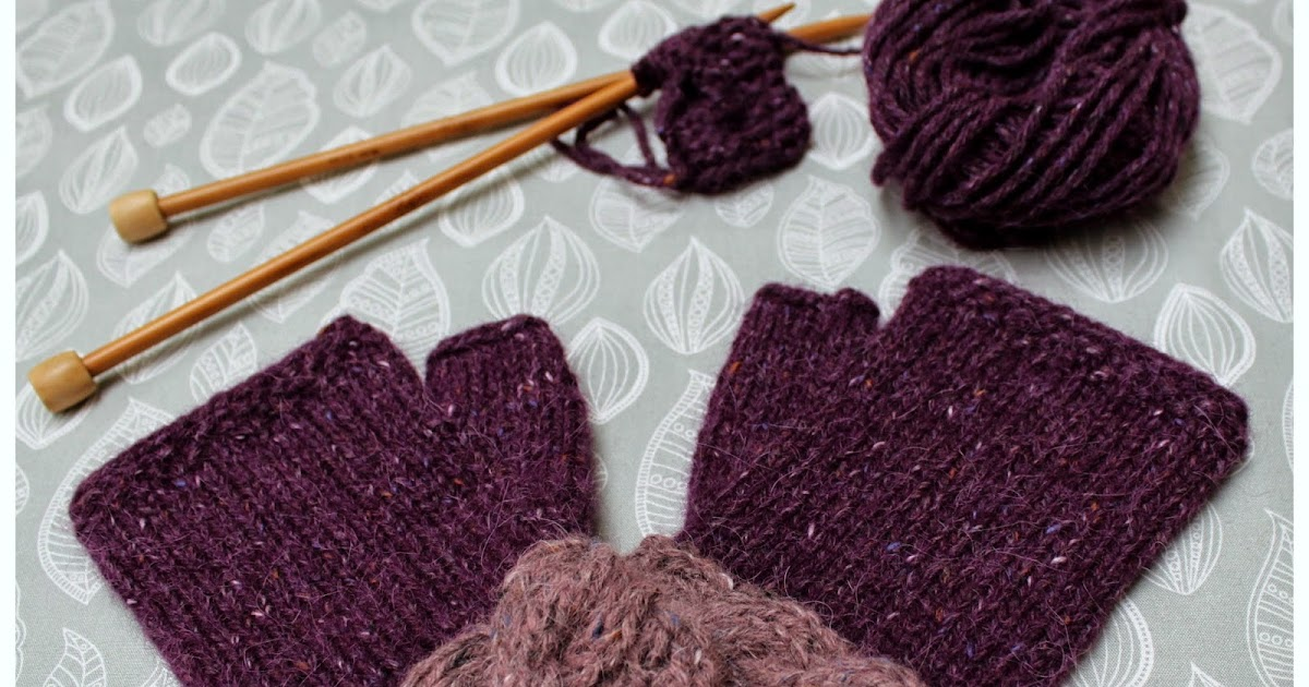 Knitting Picking Up Stitches For Thumb : Hand Knitted Things: Mulberry Fingerless Gloves