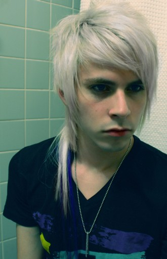 Blonde Emo Hairstyles For Boys Blonde Emo Hairstyle For Boys