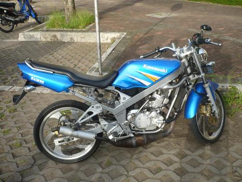 Modifikasi Kawasaki Ninja R