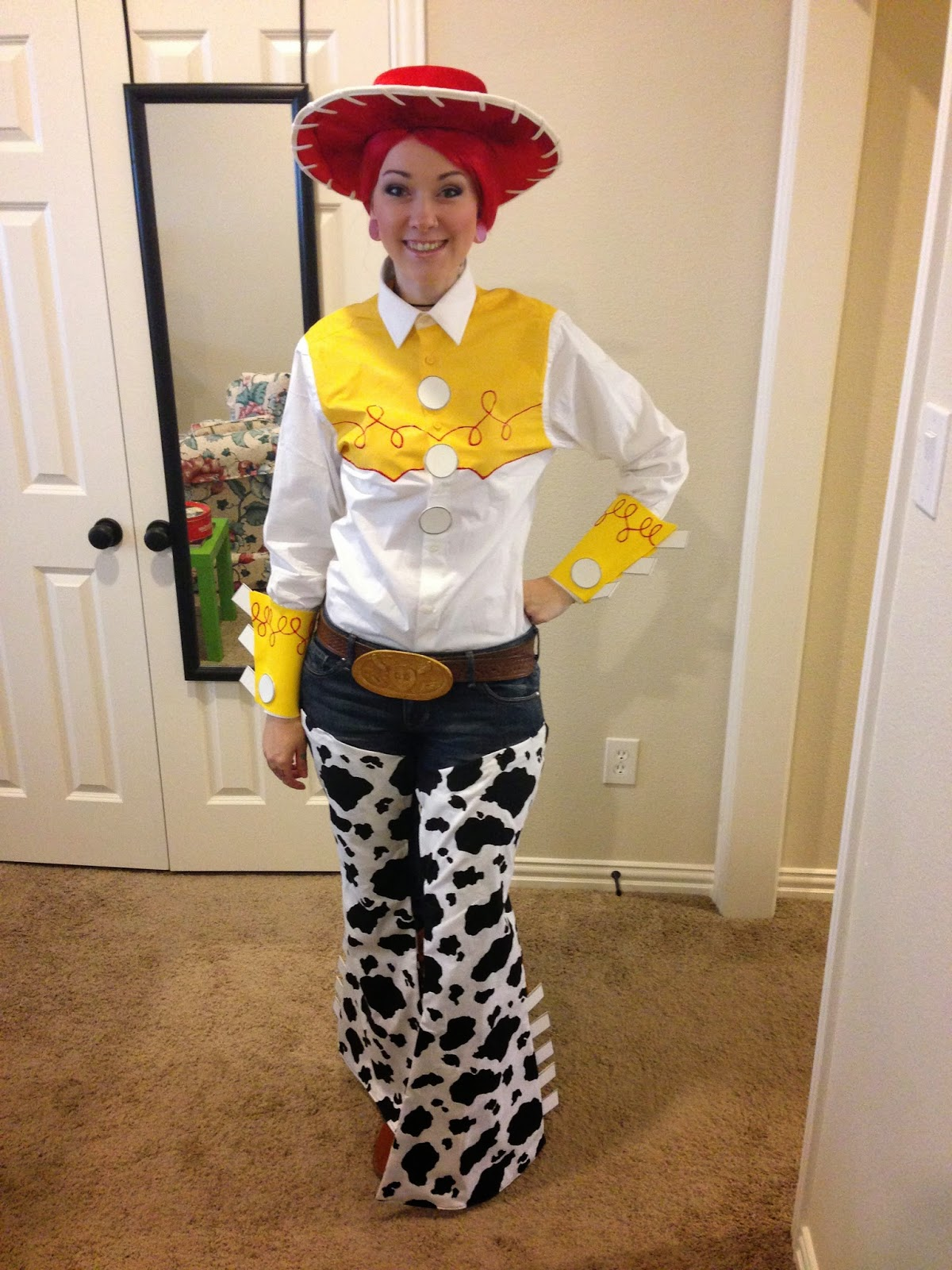 Omglitzy tutorial jessie from toy story cosplay i attached my chaps to my jeans with safety pins i tried using sticky velcro so i wouldnt ruin a pair of jeans but the velcro did not stick solutioingenieria Images