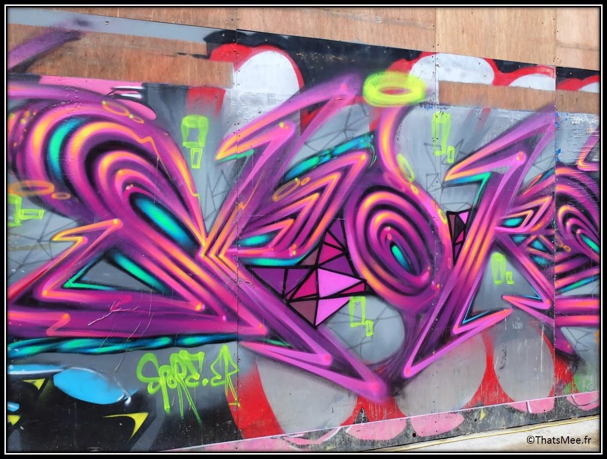 Street Art Londres Shoredicth East London Brick Lane blow and arrow