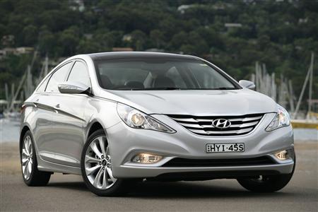 hyundai cars news hyundai i45 named best family car for 2011. Black Bedroom Furniture Sets. Home Design Ideas