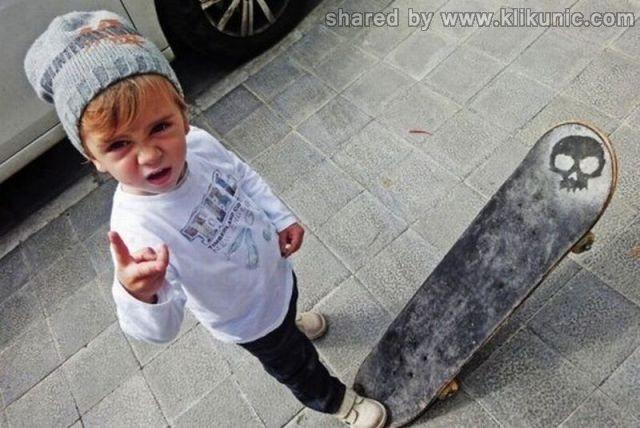 http://4.bp.blogspot.com/-KMbse6Otx5Q/TXnZAVev5hI/AAAAAAAAQ2Y/PngeClVoSkw/s1600/funny_kids_640_03.jpg