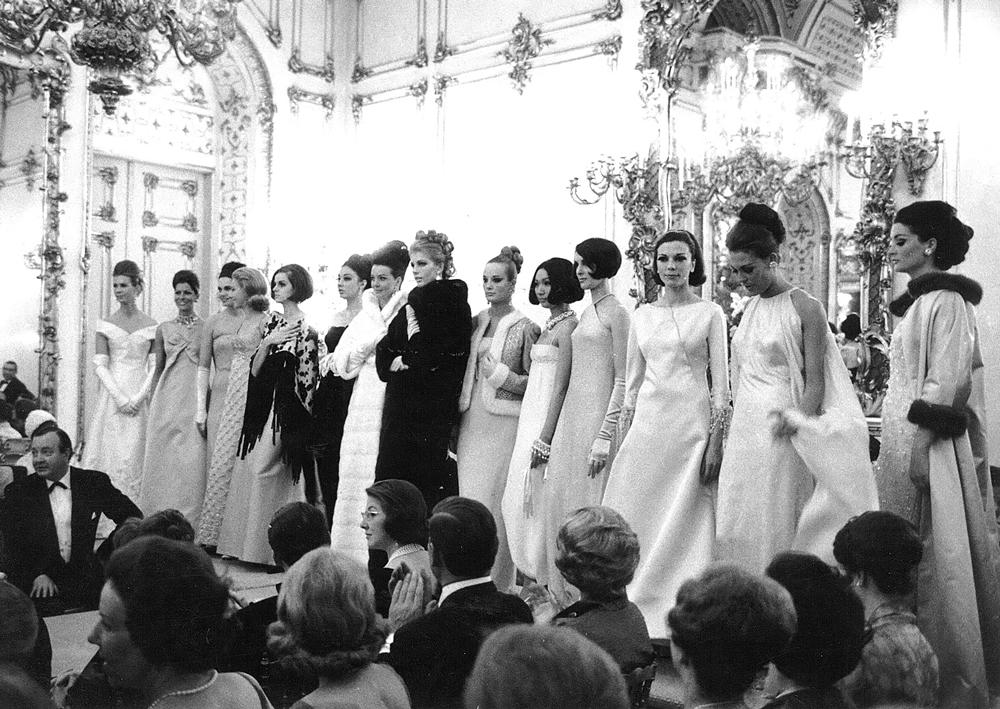 Sala Bianca Palazzo Pitti fashion show in 1964 via www.fashionedbylove.co.uk